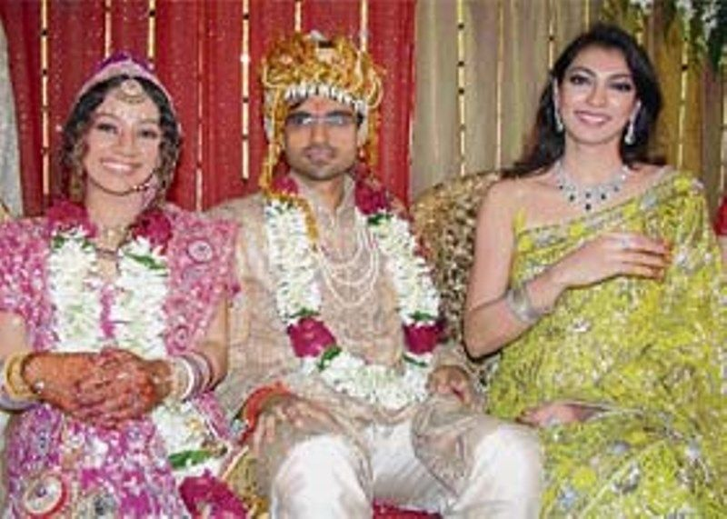 Yukta Mookhey with his brother and his wife